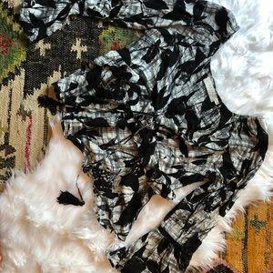 ASTR || boho floral bell sleeve front tie top - L